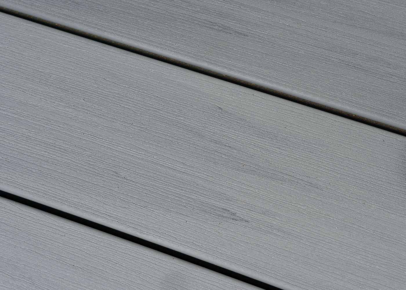 Lame de terrasse bois composite co-extrudé brossé PEFC Gris Belem 23x138x4000