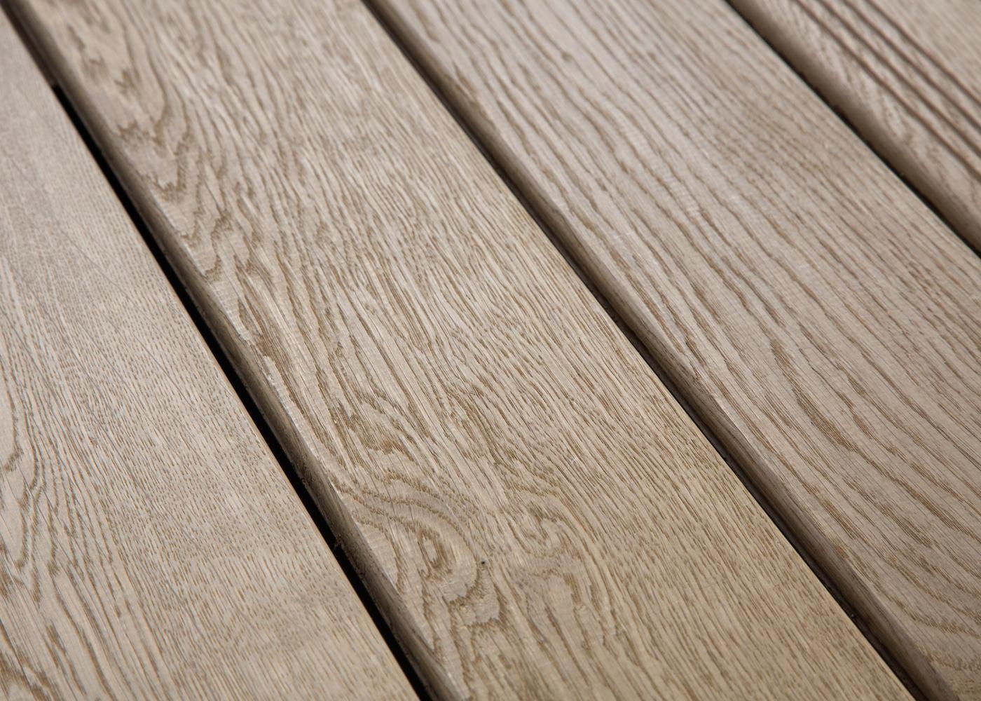 Lame Terrasse Chêne Massif Fixation Invisible ou à Visser 1 Face Lisse / 1 Face Antidérapante Profil Peigné - Ep:21mm 21x120x800-2400