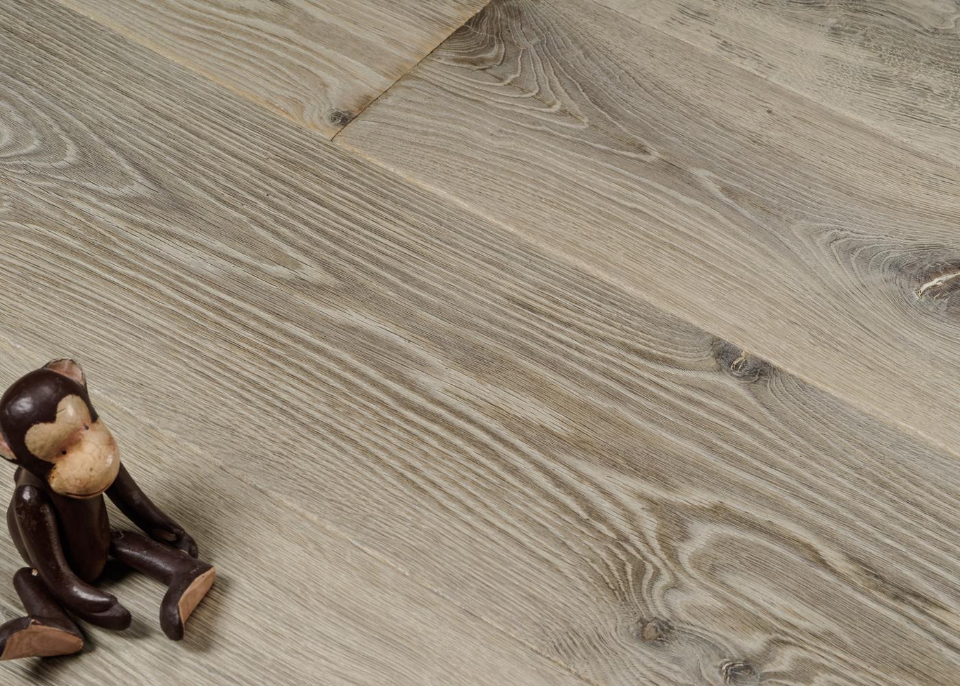 Parquet chêne contrecollé BRIGHTON usé brossé huile aqua 20-22x140/180/220x1800-2700