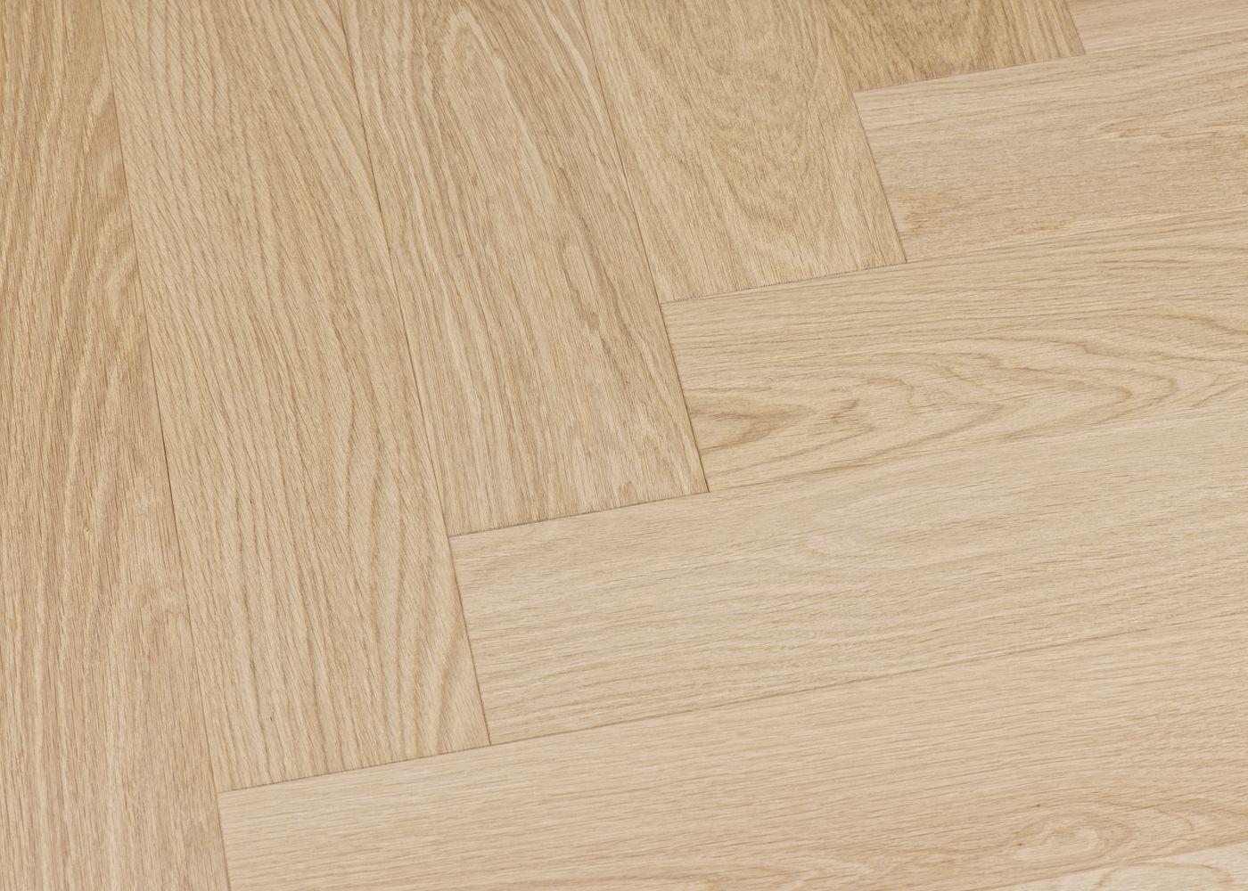 Parquet chêne contrecollé TURIN Bâton Rompu brossé vernis mat Select support HDF 10x92x610