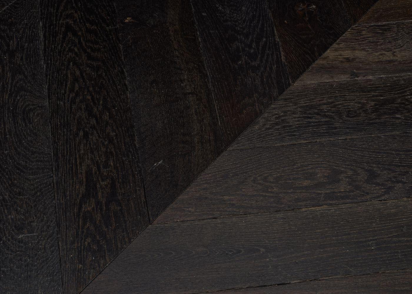Parquet chêne massif SHEFFIELD Point de Hongrie vieilli huile cire 15x120x650 45°