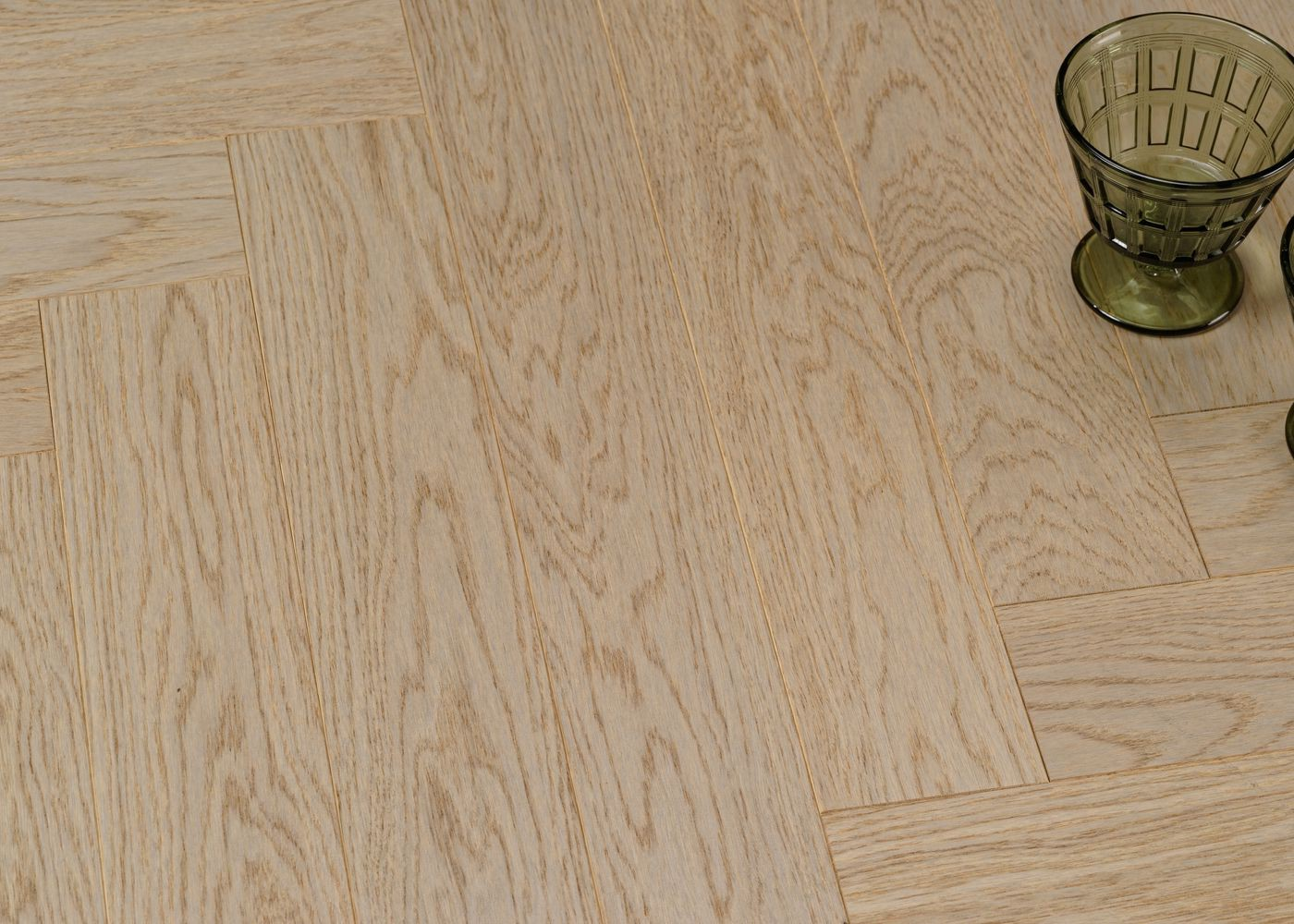 Parquet chêne contrecollé CATANE Bâton Rompu brossé vernis mat Select support HDF 10x92x610