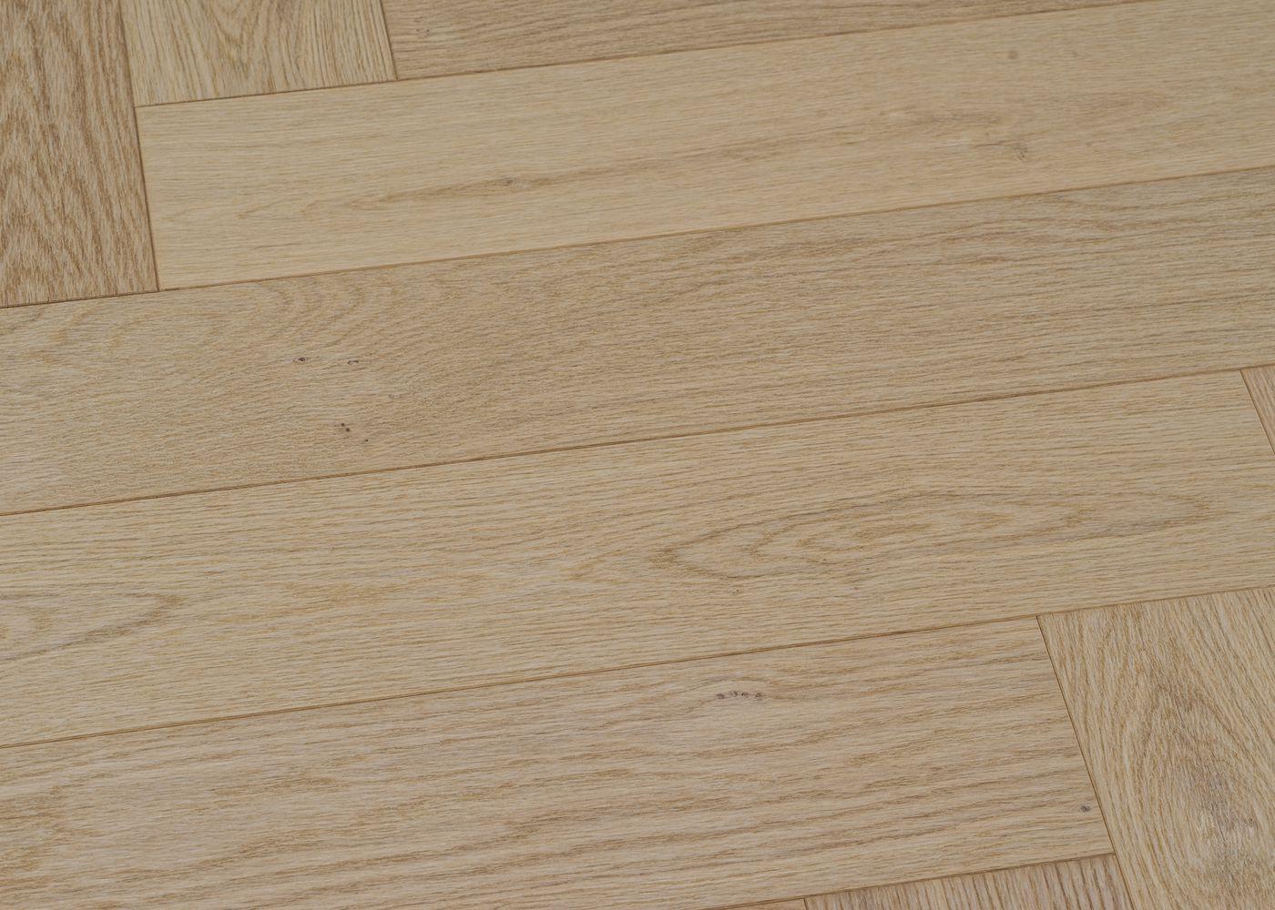 Parquet chêne contrecollé PALERME Bâton Rompu brossé huile UV Select support HDF 10x92x610