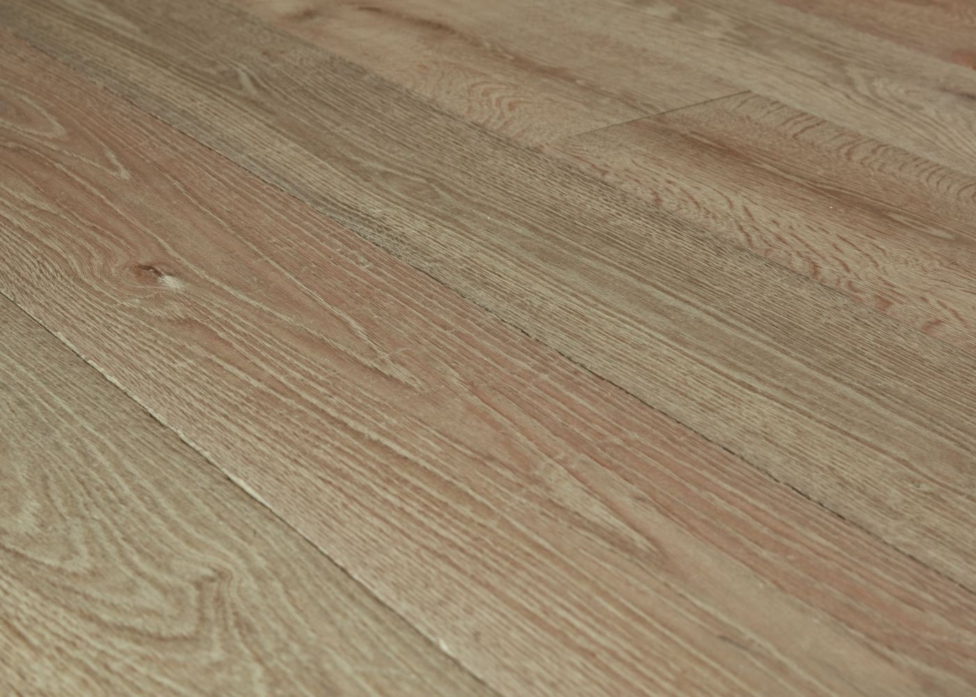 Lot 62 - Parquet chêne contrecollé vieilli Brun clair huile aqua - 60,84 m2  Ep 15mm