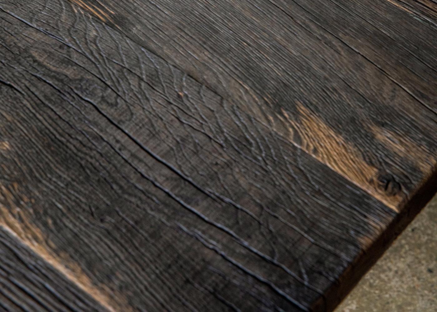 Plateau de table ANVERS à partir de vieux fond de wagon chêne non raboté brut (longueur max 2700mm)