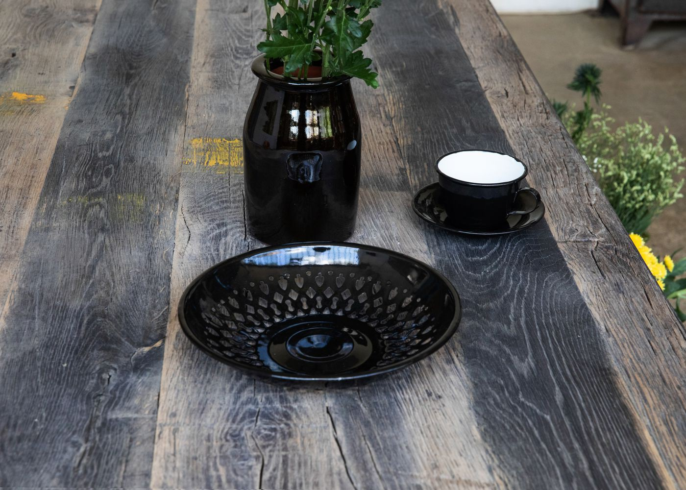 Plateau de table BADEN à partir de vieux fond de wagon chêne non raboté brut lisse, avec touches de peinture - (longueur max 2600mm)
