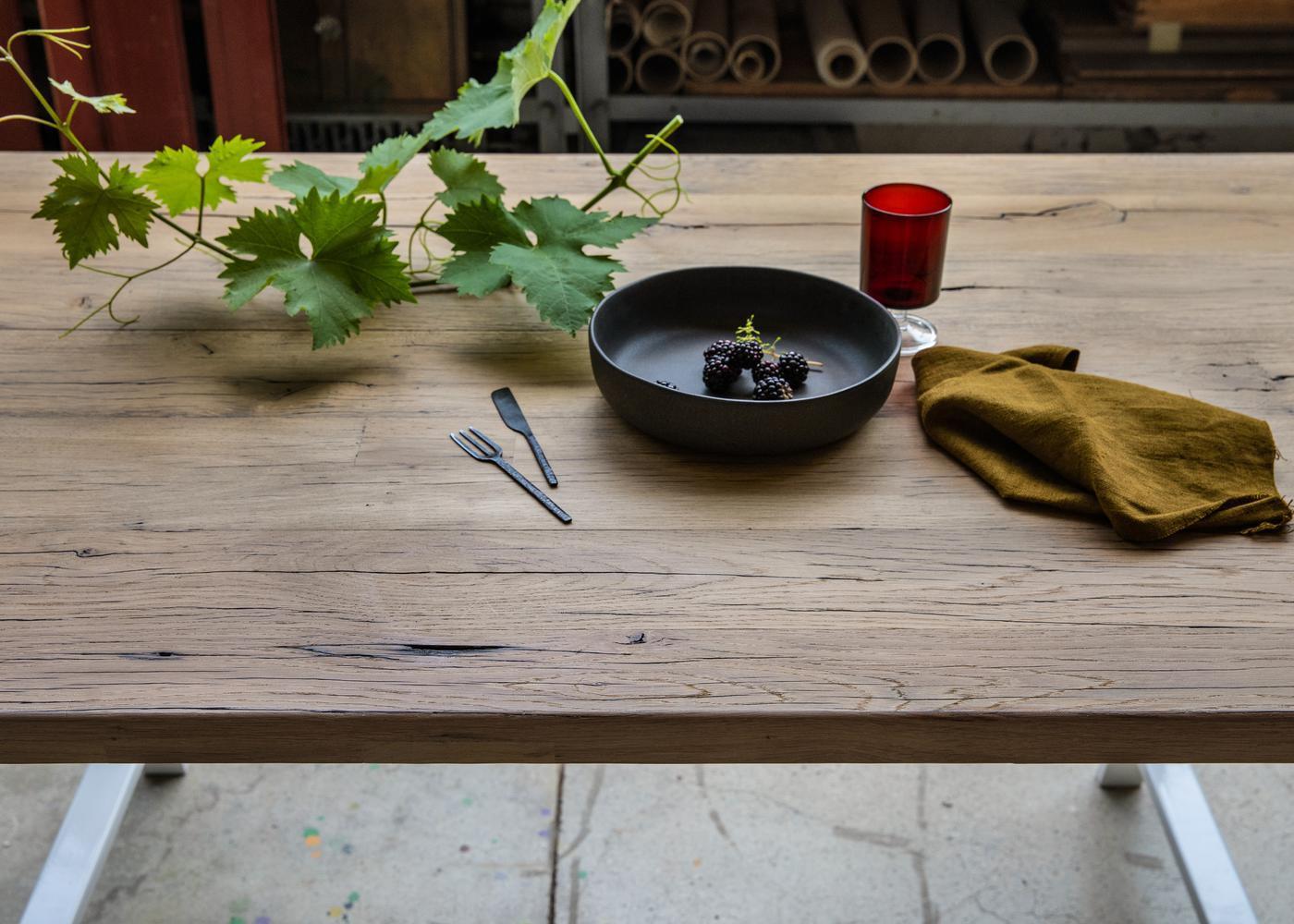 Plateau de table OSTENDE à partir de vieux fond de wagon en chêne - raboté 2mm brut (longueur max 2700m)