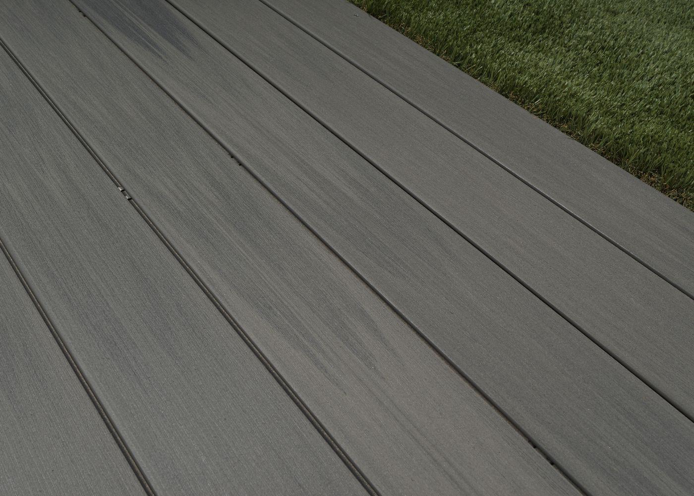 Lame De Terrasse Bois Composite Co Extrudé Brossé PEFC Gris Cayenne  23x138x4000