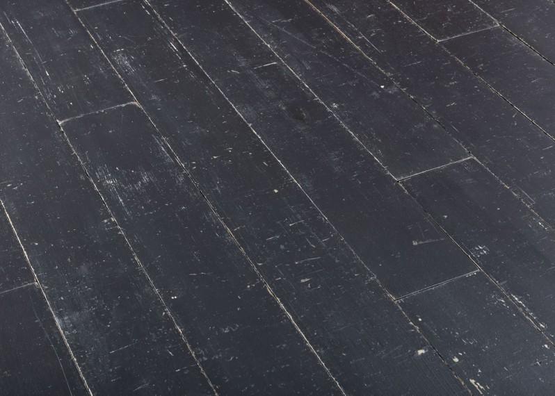 Lot 56 - Parquet massif chêne vieilli peinture noire - 45m2 - 15x180mm