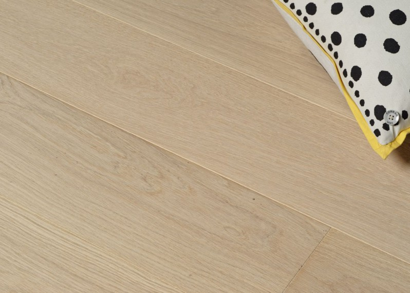 Lot 82 - Parquet chêne contrecollé GENÈVE brossé huilé Select support HDF Click 14x194x1934 - 31.89 m2