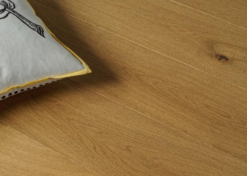 Parquet chêne contrecollé VIENNE brossé vernis mat Matière Click support HDF 10x150x1185