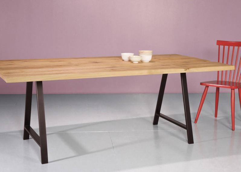 Plateau de table BRUGES à partir de vieux madrier en chêne brut - longueur max: 2700mm