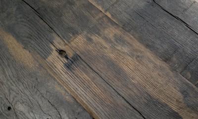 Table Sur Mesure Vieux Bois DETROIT, à partir de vieux fond de wagon chêne non raboté brut lisse, longueur max 2600mm