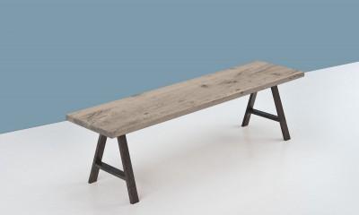 Banc en bois STAVANGER à partir de vieux fond de wagon chêne teinte grise - longueur maximum 2600mm