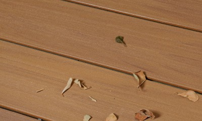 Lame de terrasse bois composite co-extrudé brossé PEFC Brun Lima 23x138x4000