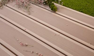 Lame de terrasse en bois composite, Brun Exotique profil lisse, rainuré ou structuré